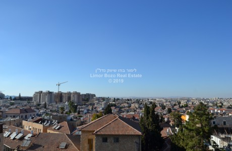 Near the Davidka - a spacious apartment 1,980,000 NIS
