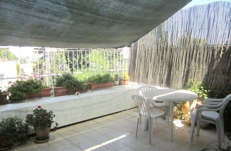 דירת גג מקסימה בבקעה - 4 חדרים - נמכר!
