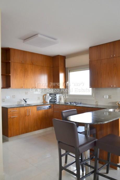 דירת 4 חדרים למכירה - חנוך אלבק, צפון תלפיות, ירושלים